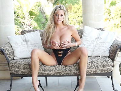 xoGisele CamWithHer in her tight black body suit